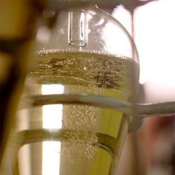 Alta qualidade para limpeza efetiva e diluição de óleos e vernizes